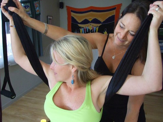 Back in Touch Massage, Yoga, & Lomilomi: Aloha Leah! More yoga!