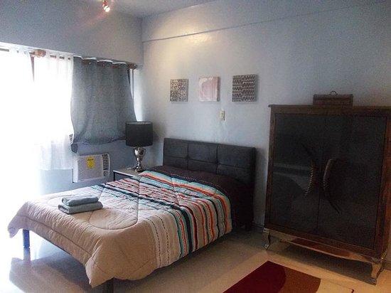 GreenbeltRadissons: Bedroom View