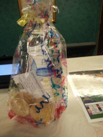 Rodeway Inn & Suites: Diamond gift