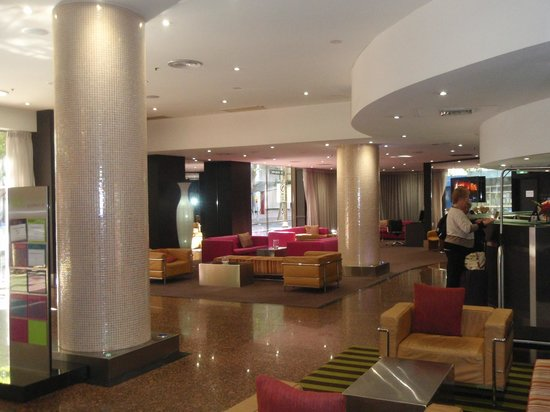 Vibe Hotel Sydney: Reception