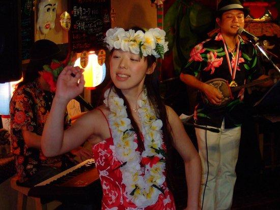 Shimautaparadaisu: ハワイアンのフラと沖縄サウンドセッション