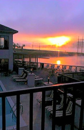 Wyndham Garden Lake Guntersville : sunset view
