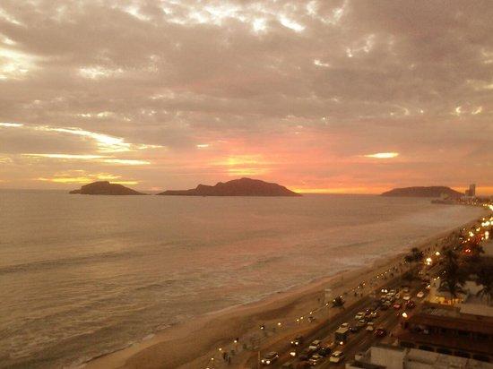 Sun Set Sail Mazatlan