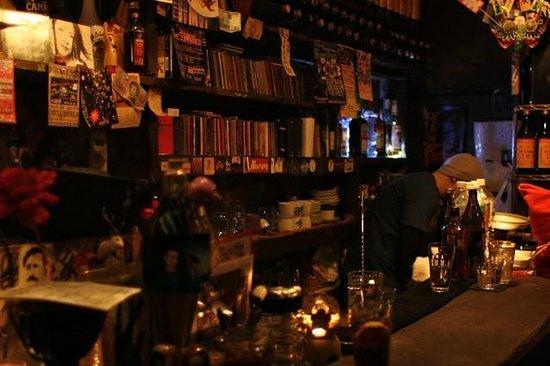 Shinjuku Golden Gai: Cue Bar
