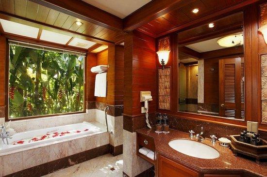 Traditional Thai Bathroom at Tropical Pool View Pool Access