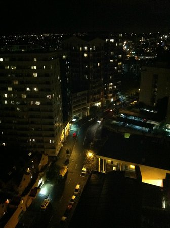 The Quadrant Hotel and Suites Auckland: View from 1916 at night