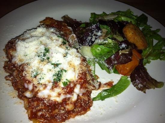 Tavola Trattoria: vegetarian lasagna!