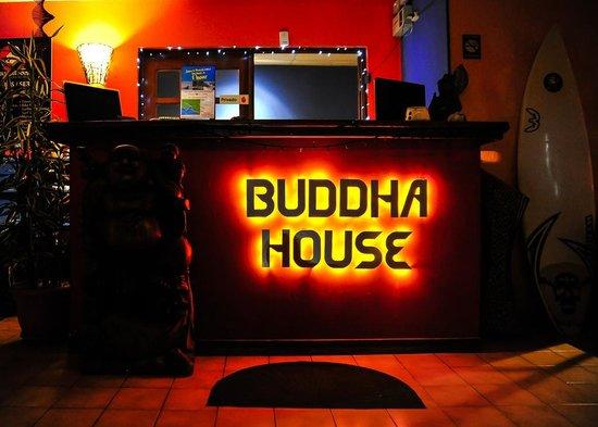 Buddha House Boutique Hostel: Front Desk