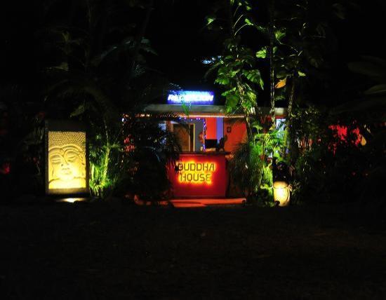 Buddha House Boutique Hostel: Entrance