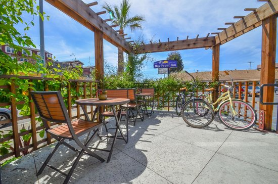 Bay Front Inn: Ride a bike, or relax in our outdoor lobby / patio area.