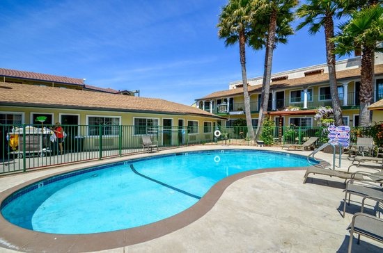 Bay Front Inn : Ready to take a dip in our heated pool, I know I am