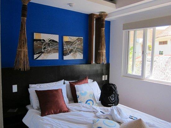 One Azul: Hotel Room