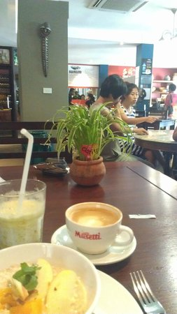 Bulaccino Cafe & Hemisphere Bar: Great coffee