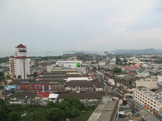 Metropole Hotel Phuket: View over the town.