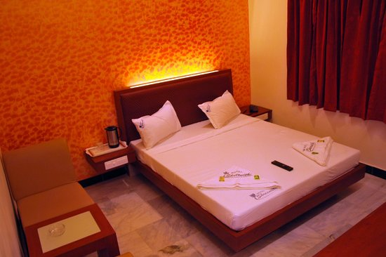 Hotel Shreenithi : Double bed A/C Room