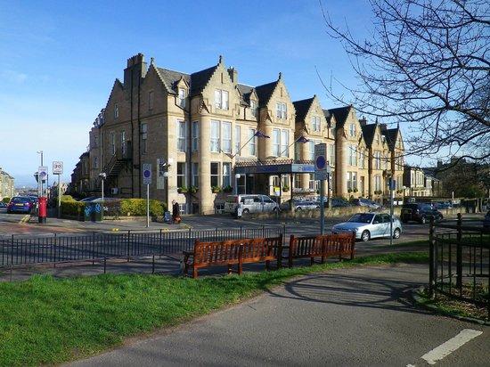 Best Western Plus Edinburgh City Centre Bruntsfield Hotel: rue principale, sur bruntsfield