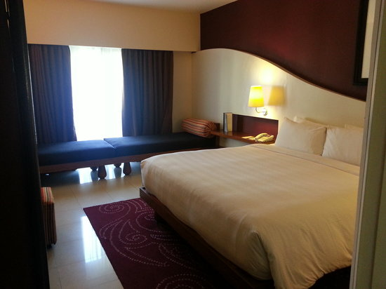 Hard Rock Hotel Bali: Deluxe King bed with day bed
