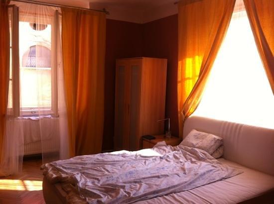 Hotel Apartments Templova: big bedroom