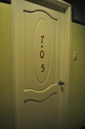 Shogun Suite Hotel: our room