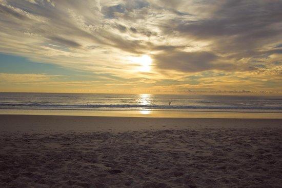 Eden Health Retreat: Warm morning sunrise