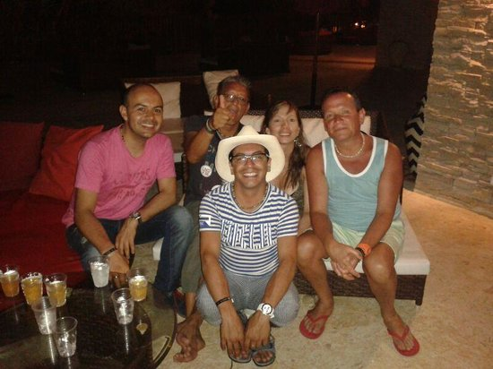 Decameron Baru: FERNANDO = Grupo de Amigos