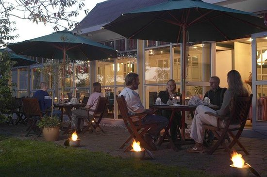 Hotel Smedegaarden : Aftenhygge på terrassen