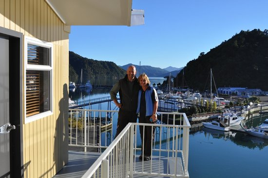 Picton Beachcomber Inn: view over harbour from balcony
