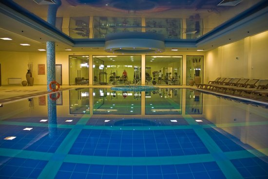 Grifid Hotels Club Hotel Bolero: Inside swimming pool
