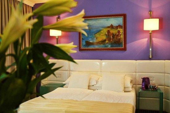 Hotel Phoenix: Deluxe Room