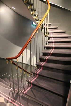 La Maison Favart: Stairs