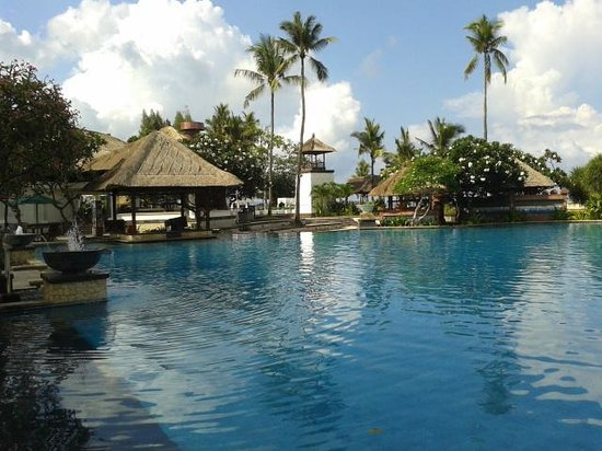 The Patra Bali Resort & Villas: swimming pool in patra