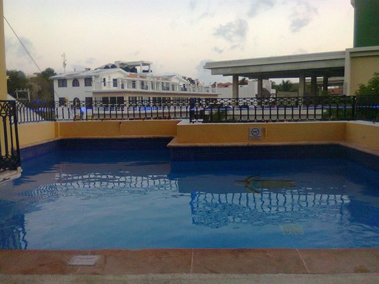 Koox Caribbean Paradise Hotel: right out side my door