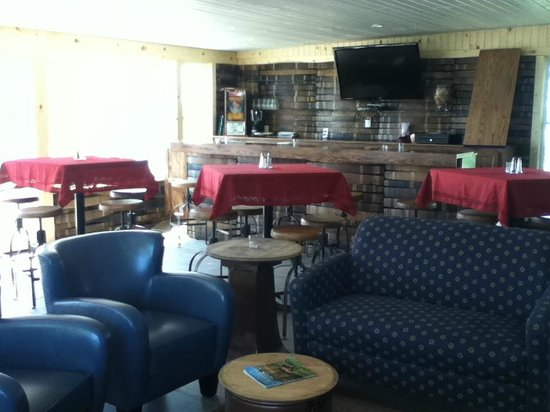 HideAway Country Inn: the bar with oak barrell walls, I was a little intrigued so I took a photo.