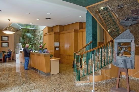 Hotel Mainake : Recepción