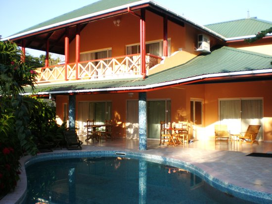 La Diguoise Guesthouse: Superior rooms with swimming pool