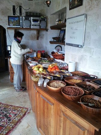 Divan Cave House: breakfast