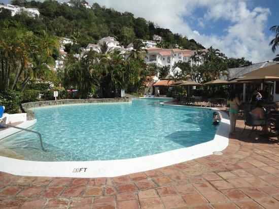 Windjammer Landing Villa Beach Resort: The pool