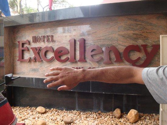 Hotel Excellency : Bed bug bitten hand