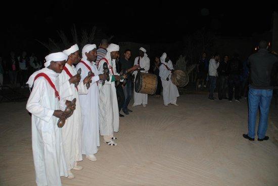Palais des dunes: Fiesta en patio