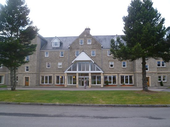 Tummel Bridge, UK: Hotel front
