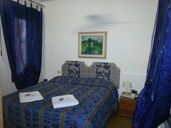 Ca'Contarini 3026: Blue room
