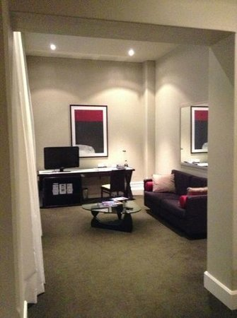 Adina Apartment Hotel Adelaide Treasury : Living area