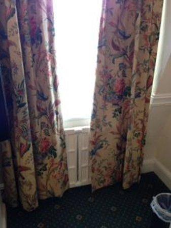 Royal Bath Hotel & Spa: Dirty!