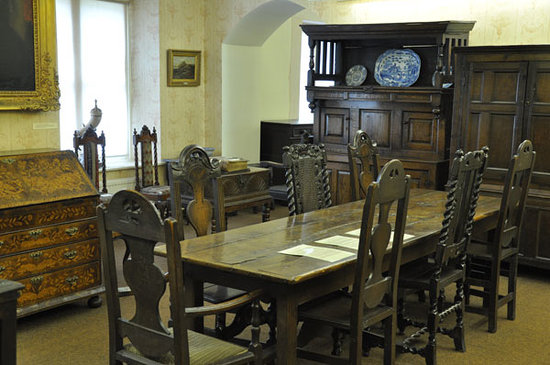 Gwynedd Museum & Art Gallery: Some of the furniture on display in the 'Ynsygain' room