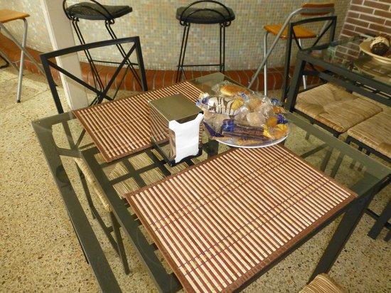 Hotel Mino: kleine, hübsche Tische