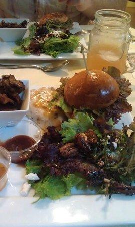 Hawaiian Vanilla Company: Chicken Sandwich with crusty potatoes and salad