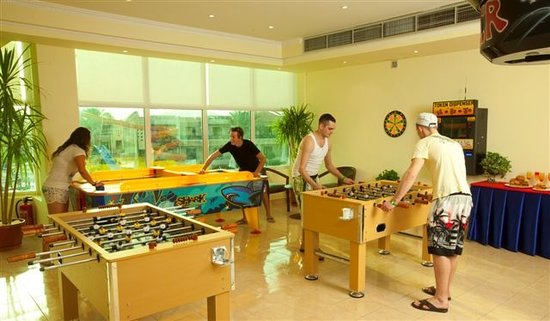 Island Garden Resort: Games Room