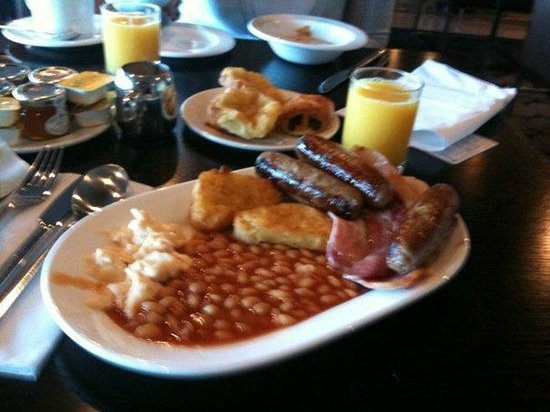 Holiday Inn London-Kingston South: breakfast buffet
