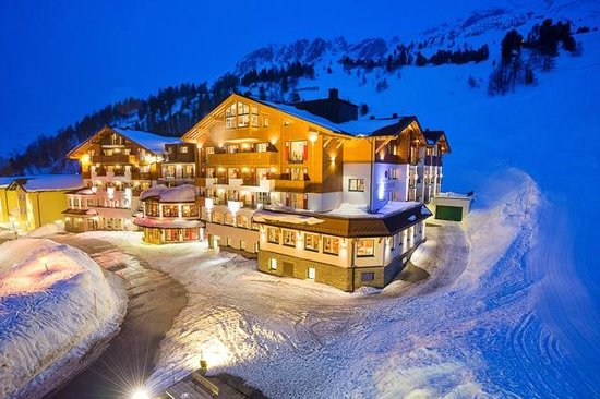 Hotel Schneider : Nachtaufnahme