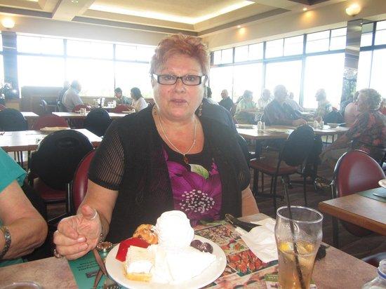 Coolangatta Tweed Heads Golf Club Dining: Just a nice dessert....